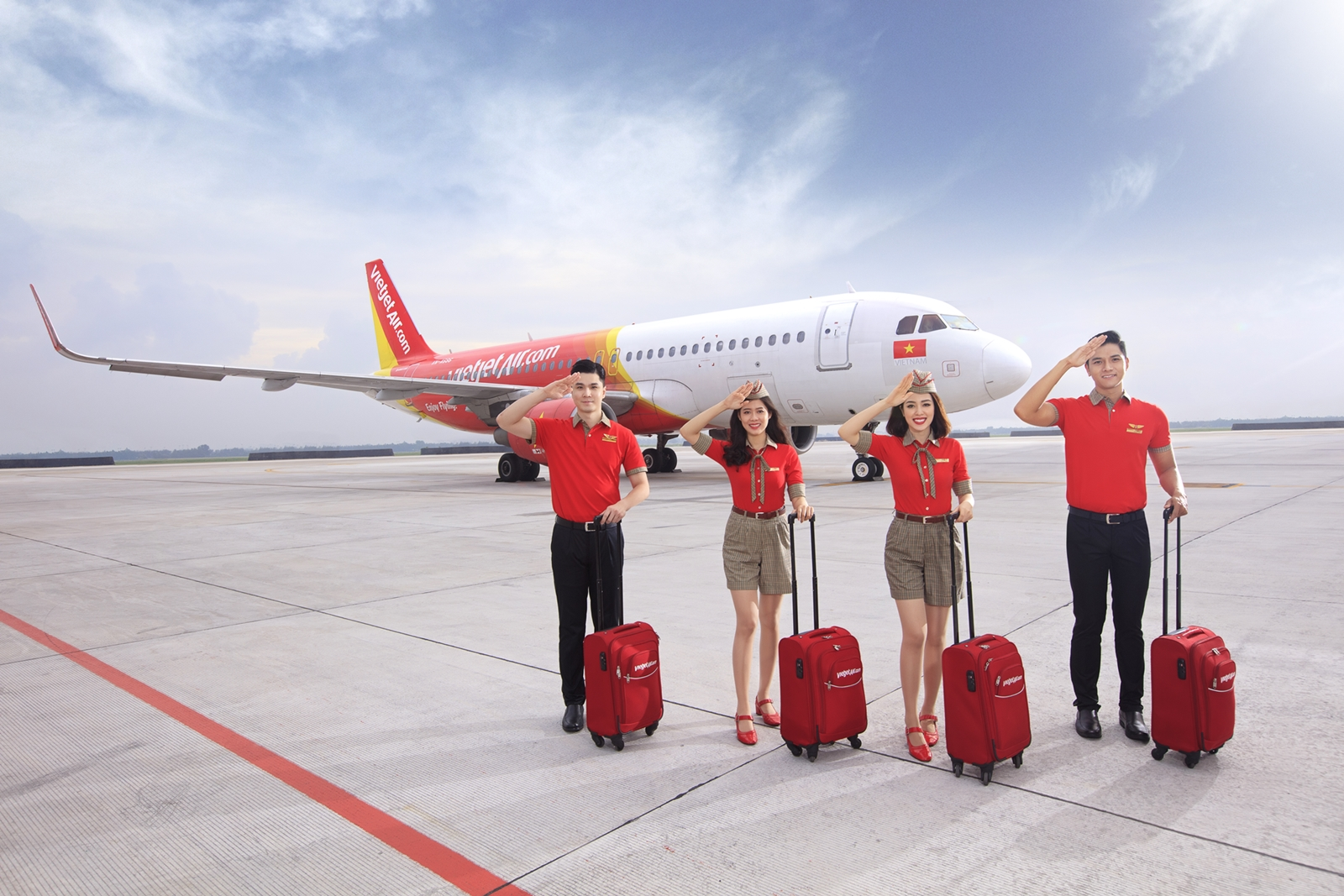 """Tương ứng với giá trị """"Giá rẻ"""" của Vietjet Air là các hoạt động điều phối vận hành các chuyến bay, quản lý nguồn cung ứng"""